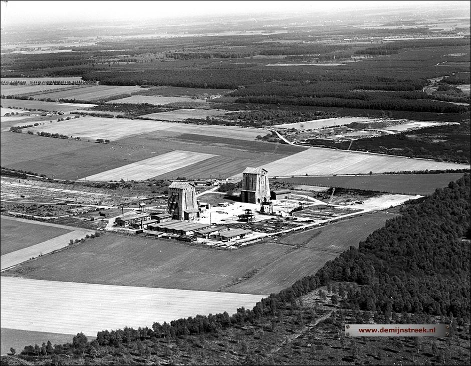 Luchtfoto Staatsmijn Beatrix 1961